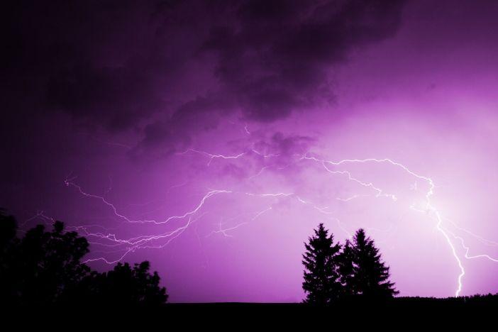 que-hacer-en-una-tormenta-eléctrica