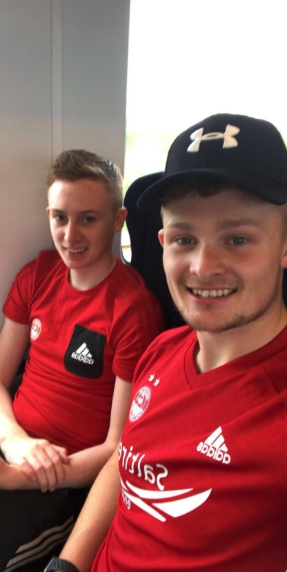 @matthewkenny - On Route, absolutely buzzing ! COME ON YOUU REDSS 🐑🔥 #StandFree