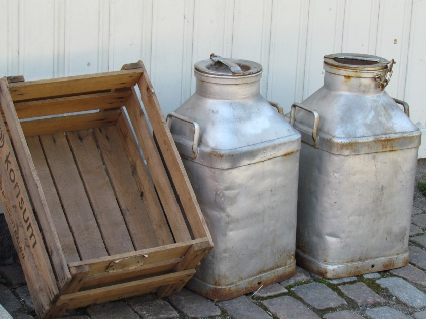 milk churns and crate, Skansen
