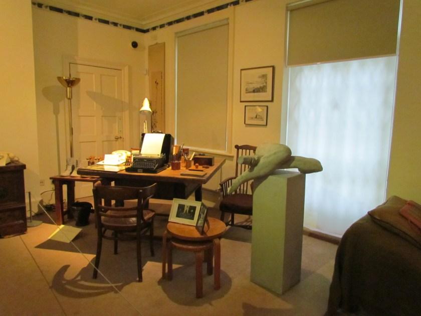 Freud Museum, Anna's desk