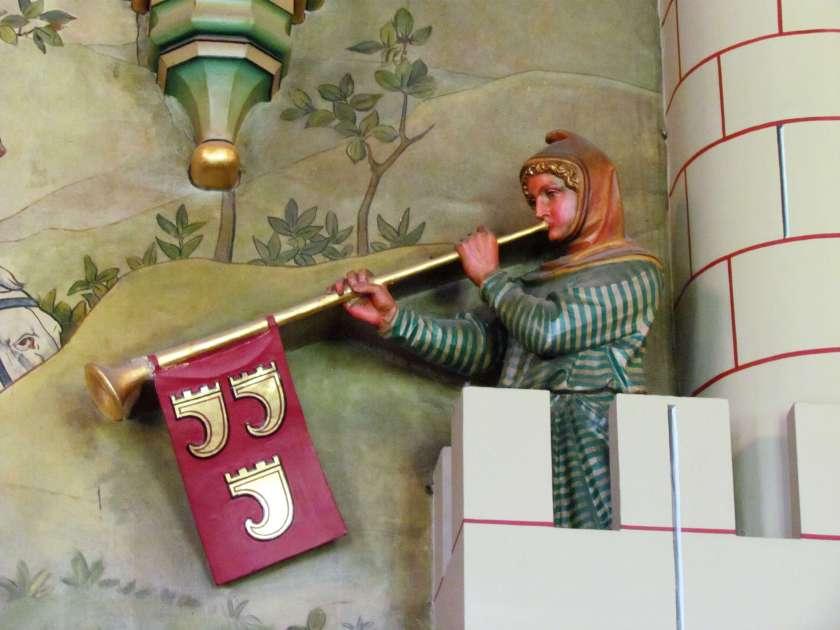 Cardiff Castle - trumpeter sculpture