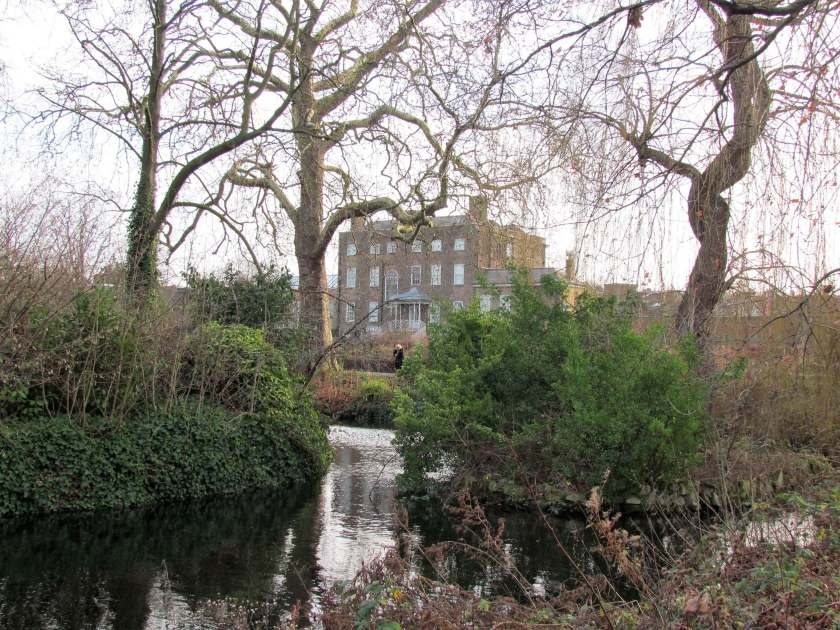A Day in Walthamstow - William Morris house and Lloyd Park - Inverted Sheep