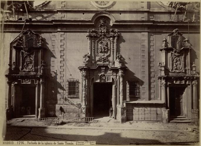 Fachada de la Iglesia del Convento de Santo Tomás. Foto J. Laurent.