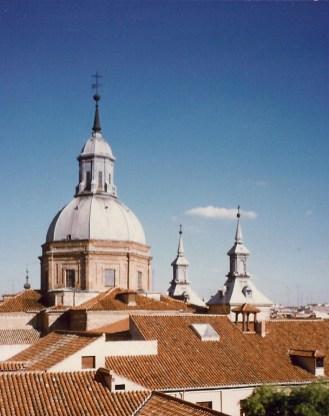 Exterior de la cúpula de la Iglesia de las Comendadoras de Santiago, Madrid.