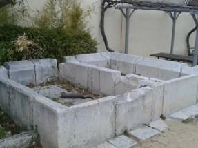 Pilas lavadero situadas en el patio del Hospitalillo de San José de Getafe.