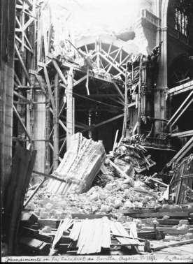 Fotografías de la destrucción del cimborrio de la Catedral de Sevilla. Fotos del Blog El Pasado de Sevilla.
