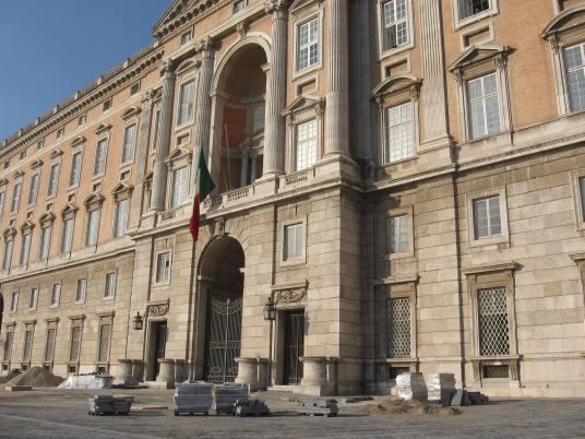 Reggia di Caserta. Detalle de la fachada
