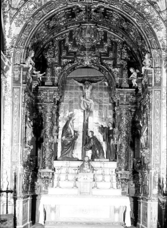 Retablo-camarín del Cristo de la Buena Muerte antes de su destrucción. Foto archivo Moreno (IPCE)