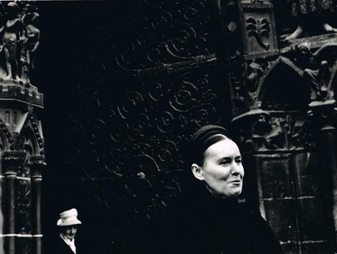 Gerardo Vielba: Damas de Notre Dame.