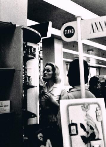 Gerardo Vielba: Toilette en los almacenes.