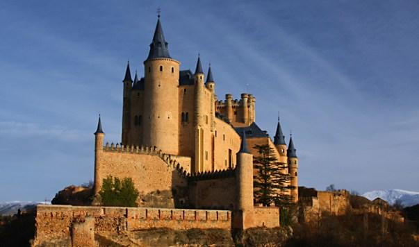 Vista actual del Alcázar de Segovia. Wikimedia Commons.