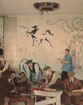 Madame Yevonde: Anna Zinkeisen pintando los murales para el RMS Queen Mary, 1936. National Portrait Gallery, Londres.