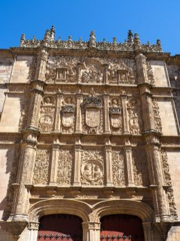 Fachada rica de la Universidad de Salamanca (por Turol Jones vía Wikimedia).