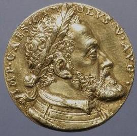 Leon Leoni. Medalla de Carlos V y la Emperatriz, anverso. Museo Arqueológico Nacional. Madrid. Foto: CERES.