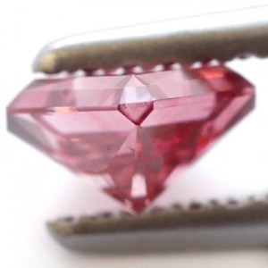 red fancy color diamond