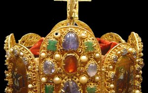Holy Roman Empire crown - Market timing