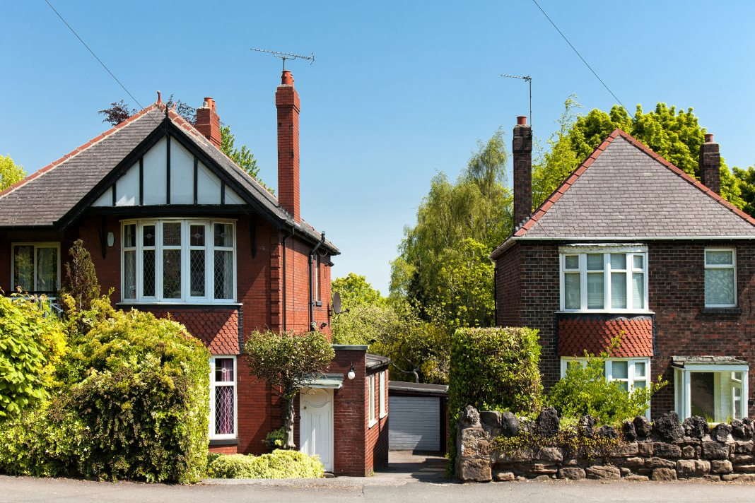 House price growth steady at 2%