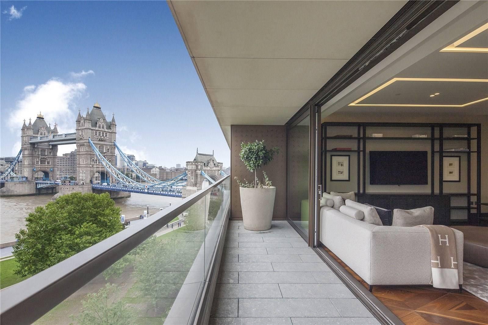 Stunning apartment overlooking Tower Bridge