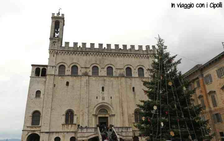 Natale in Umbria Gubbio Piazza Grande