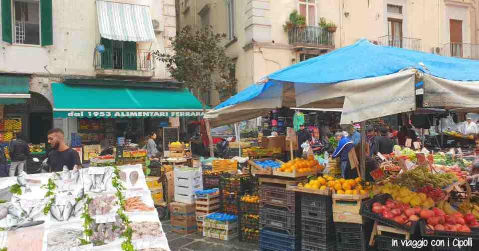 Visitare Napoli Mercato Pignasecca