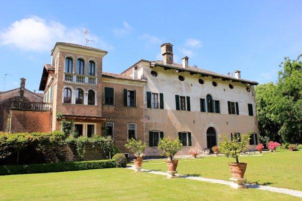 Castello di Cordovado, vista dal giardino (Cordovado, Friuli Venezia Giulia)