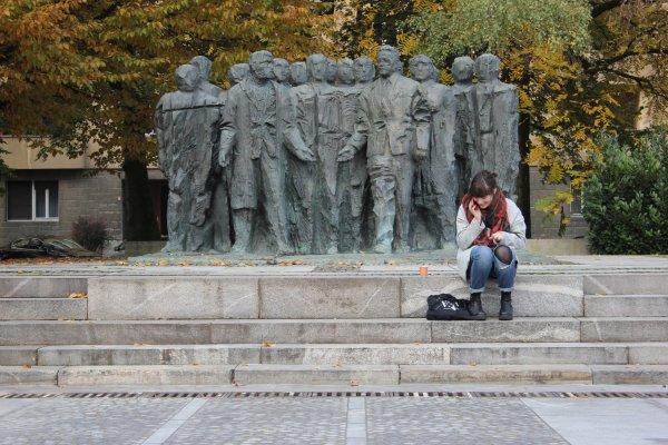 Viaggio a Lubiana, sculture in Trg Republike, piazza della Repubblica (Slovenia)
