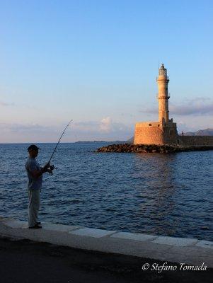 Faro all'ingresso del vecchio porto veneziano di Chania (Creta, Grecia)