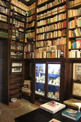Castello di Cordovado, l'affascinante biblioteca di palazzo Freschi Piccolomini (Friuli Venezia Giulia)