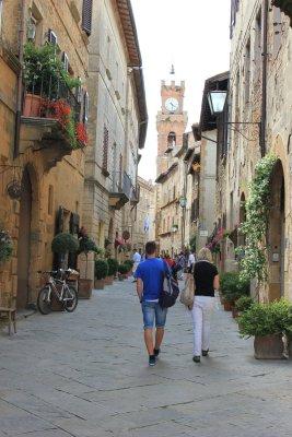 Viaggio in Val d'Orcia, a passeggio per i vicoli di Pienza (Toscana, Italia)