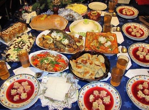 Natale in Polonia, tavola imbandita per la Vigilia di Natale