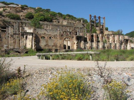Viaggio in Sardegna, Laveria Brassey nel cantiere di Naracauli (Italia)