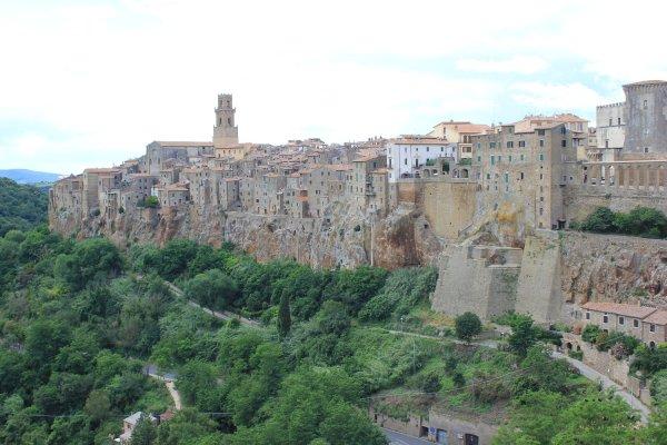 Viaggio in Toscana, veduta di Pitigliano (Italia)