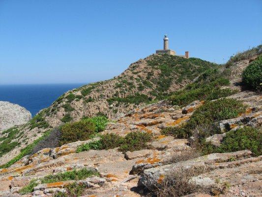 Viaggio in Sardegna, il faro e il belvedere di Capo Sandalo (Isola di San Pietro, Italia)
