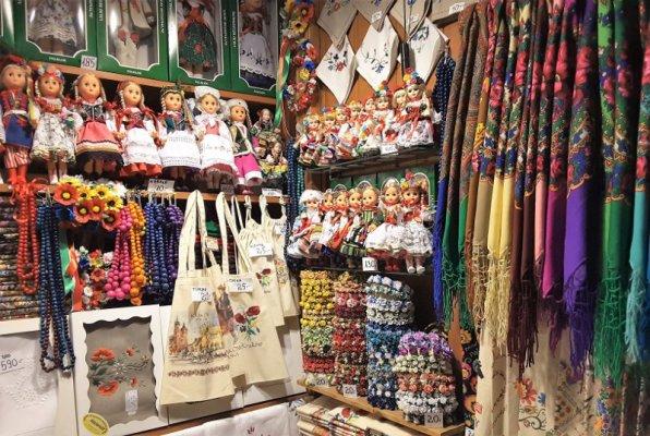 Mercato tessuti Sukiennice Cracovia