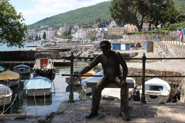 Monumento pescatore Opatija