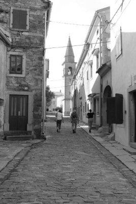 Vicolo principale di Draguć (Draguccio) in Istria