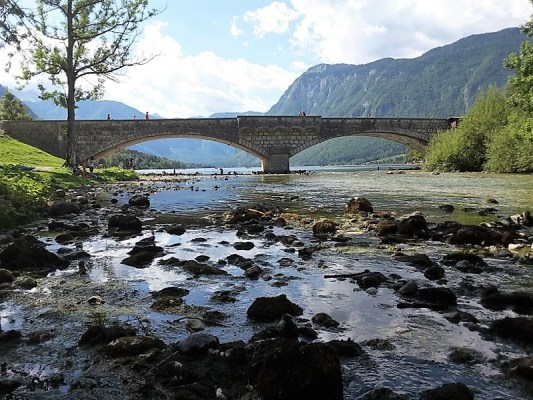 Ponte pietra Ribčev Laz Bohinj