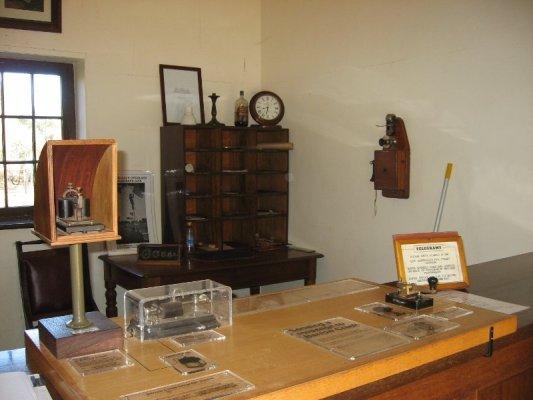 Interno stazione telegrafo Alice Springs