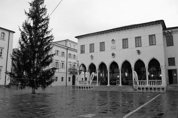 Loggia in piazza Tito Capodistria