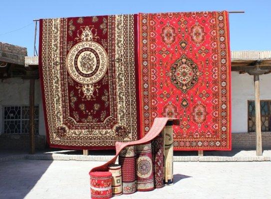 Bazar tappeti Bukhara Uzbekistan