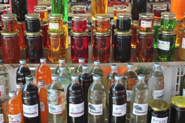 Mercato coperto Mostar grappa miele