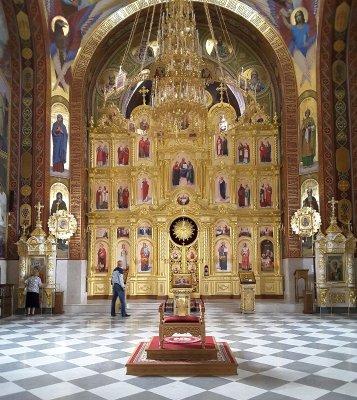 Interno chiesa della Natività Monastero di Curchi Moldova
