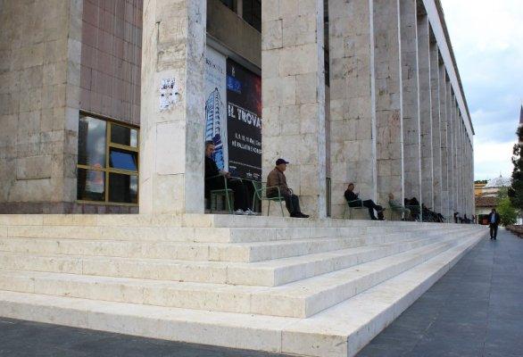 Il Palazzo della Cultura Tirana