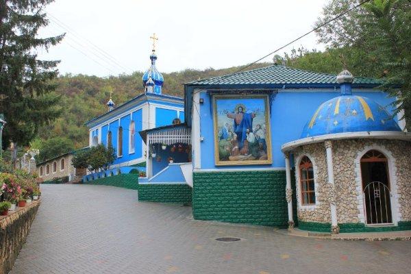 Ingresso al Monastero di Saharna Moldova
