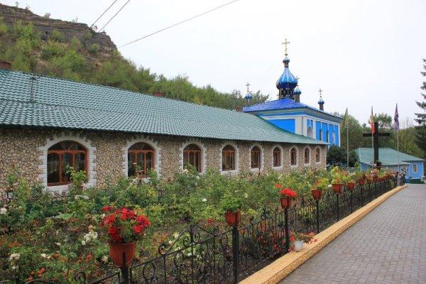 Cortile Monastero di Saharna Moldova