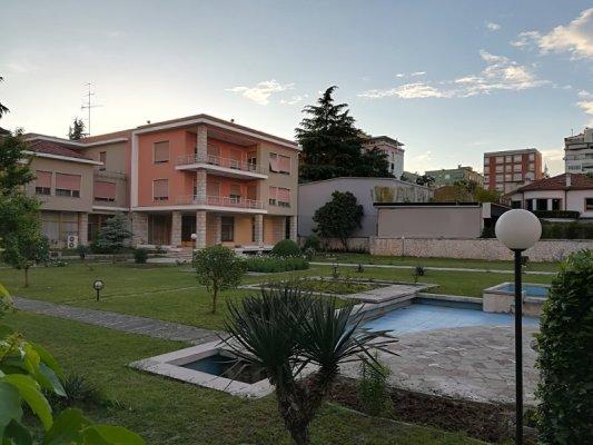ex villa di Enver Hoxha Tirana