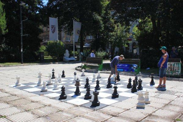 Piazza degli scacchi a Sarajevo