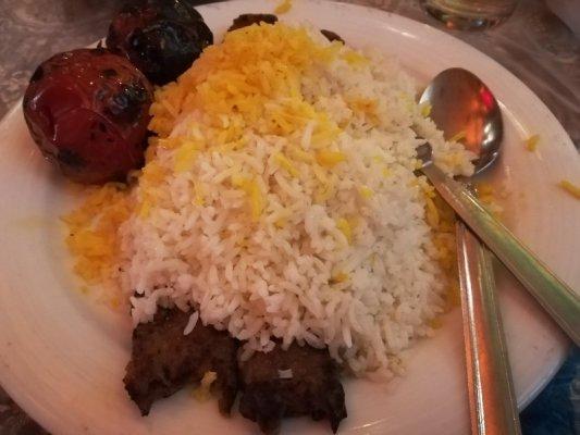 Chelo kebab piatto tipico cucina Iran