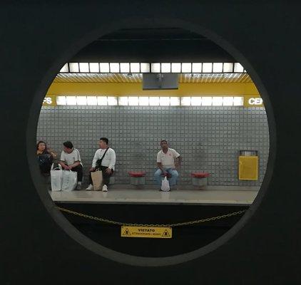 Linea Gialla metropolitana Milano stazione Centrale