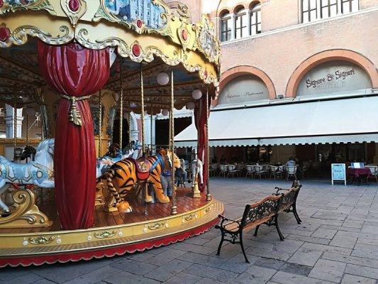 Giostra per bambini in Piazza dei Signori a Treviso